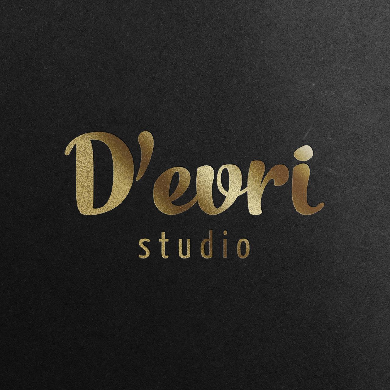 devri studio-logo-mockup-gold